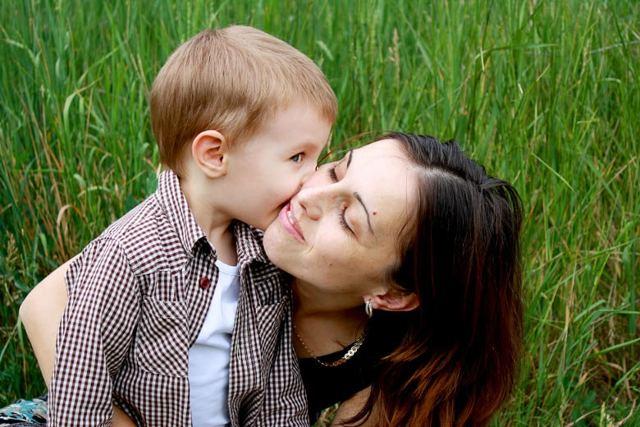 Как усыновить ребенка из роддома?