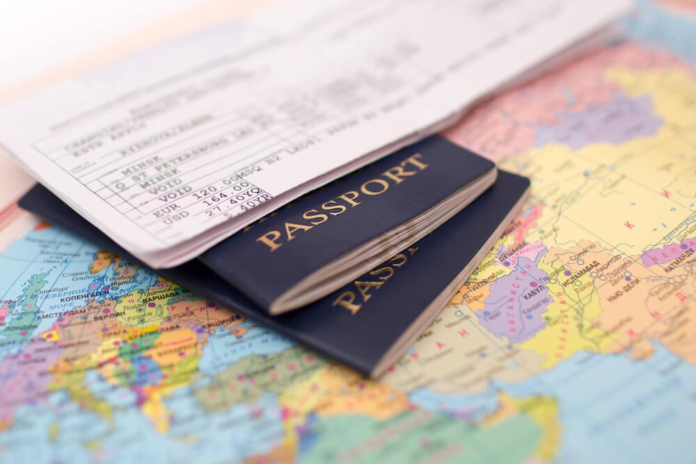 Два загранпаспорта одновременно в россии: можно ли иметь второй документ при наличии первого, кому разрешено получить его в дополнение к имеющемуся, как это сделать?