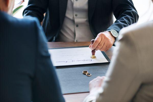 Сколько нужно отработать в организации, чтобы получить декретные?