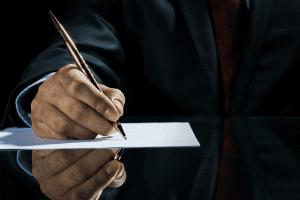 Нужно ли платить нотариусу за отказ от наследства