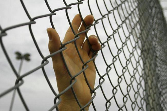 Как подать на развод если муж сидит в тюрьме? все особенности развода с осужденным супругом и ситуации, когда расторгает узы брака сам заключенный