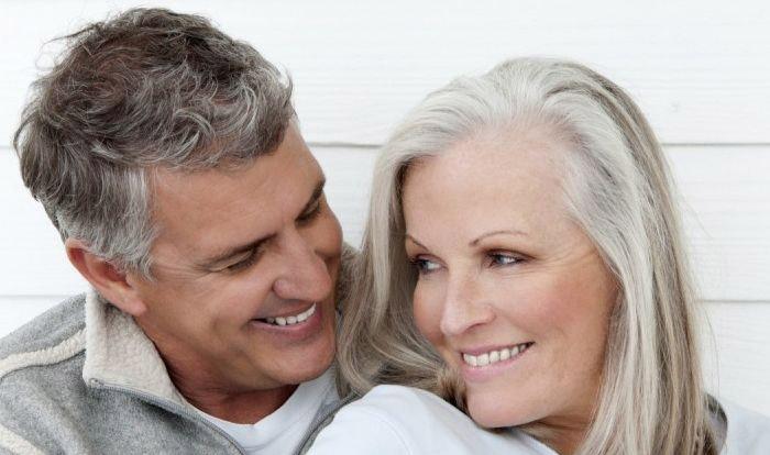Доплата к пенсии за 30 лет совместной жизни супругов в 2019 году: в москве, в санкт-петербурге кому положена, в регионах, последние новости