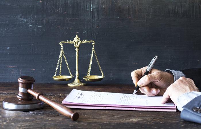 Можно ли оспорить брачный договор: в суде, при разводе, после смерти супруга, на квартиру, третьим лицам