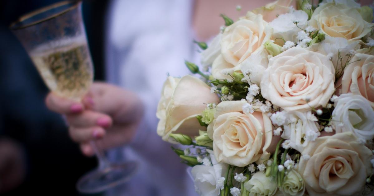 Выездная регистрация брака в москве — 120 свадебных регистраторов
