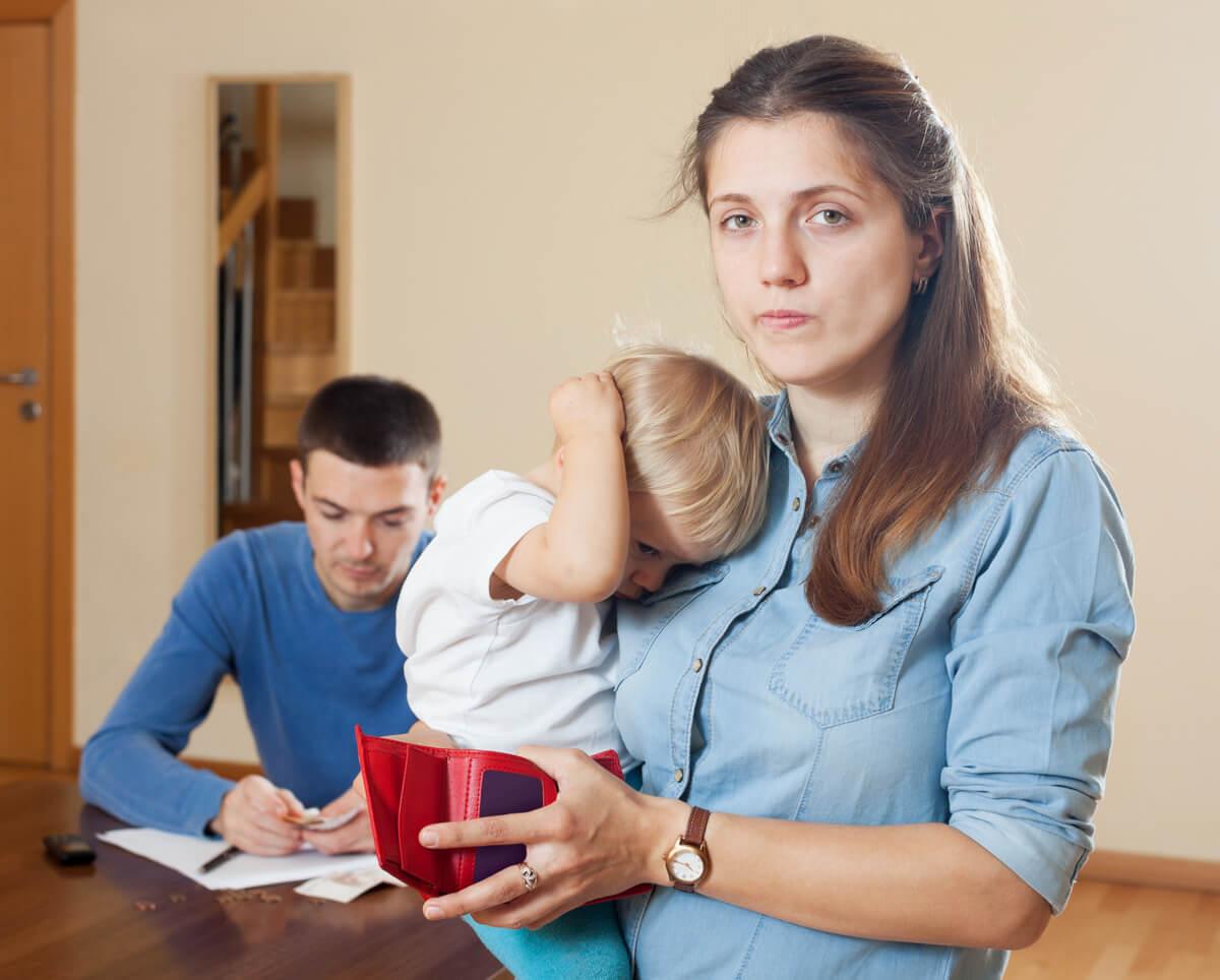 В каких случаях мать может подать на алименты на детей.