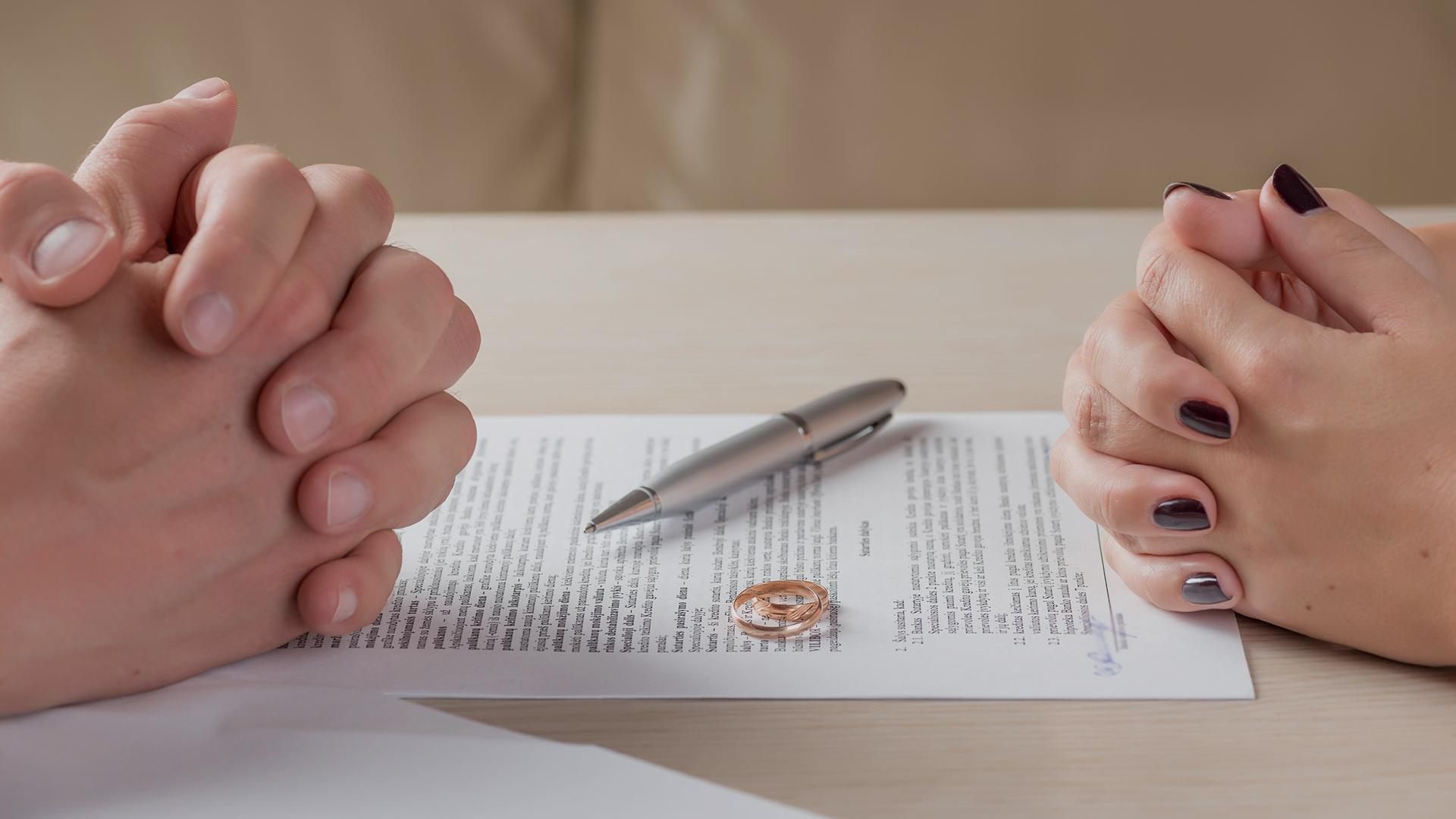Что лучше заключить: брачный договор или соглашение о разделе имущества?