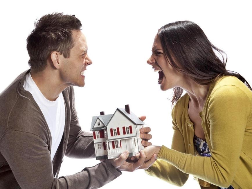 Имеет ли право бывшая жена на наследство мужа после развода или после его смерти?