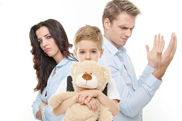 Хочу добровольно платить алименты на ребенка: как всё правильно оформить?
