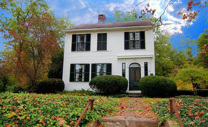 Как продать долю квартиры по наследству